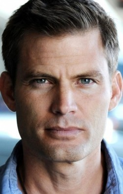 All best and recent Casper Van Dien pictures.