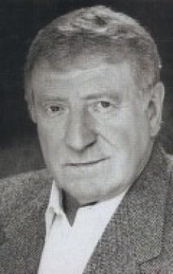 Actor Clive Revill, filmography.