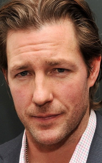 All best and recent Edward Burns pictures.