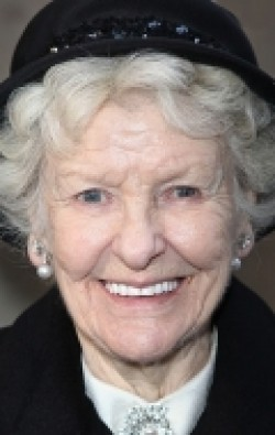 Elaine Stritch - wallpapers.