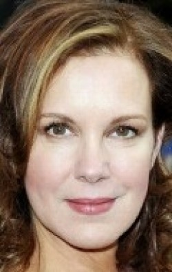 All best and recent Elizabeth Perkins pictures.