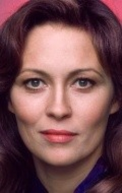 Faye Dunaway - wallpapers.