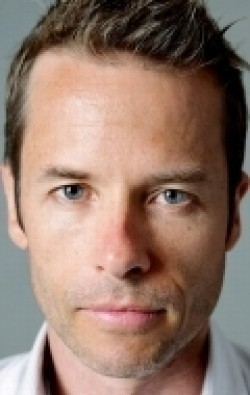 Guy Pearce - wallpapers.