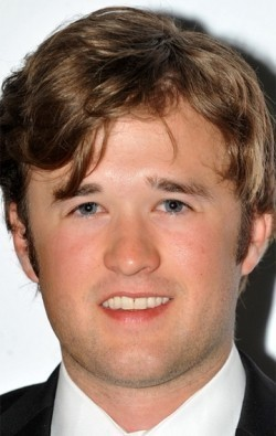 All best and recent Haley Joel Osment pictures.