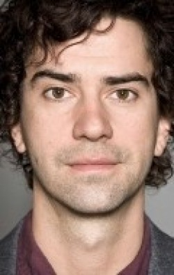 All best and recent Hamish Linklater pictures.