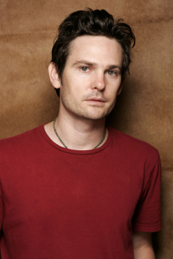 Henry Thomas - wallpapers.