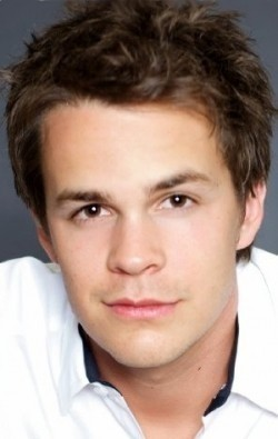Johnny Simmons filmography.