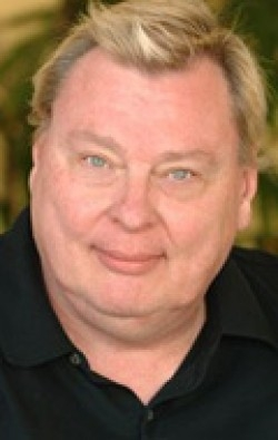All best and recent Larry Drake pictures.