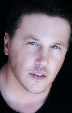 Lochlyn Munro - wallpapers.
