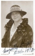 Margarete Kupfer - bio and intersting facts about personal life.