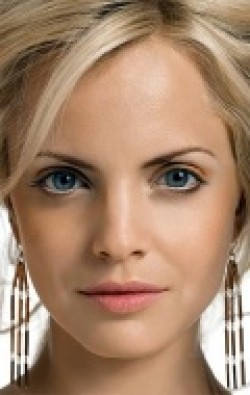 All best and recent Mena Suvari pictures.