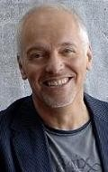All best and recent Peter Frampton pictures.