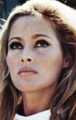 Ursula Andress - wallpapers.