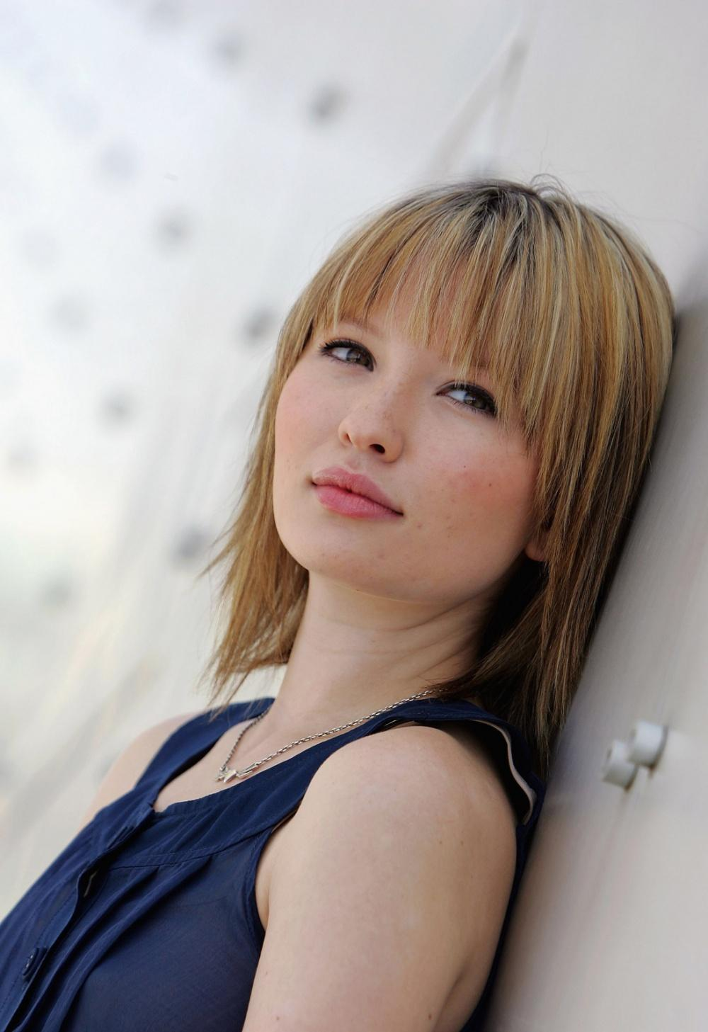 Photo №18054 Emily Browning.