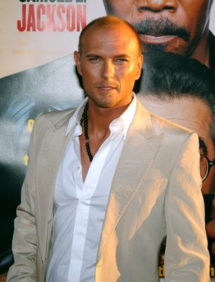 Photo №13026 Luke Goss.