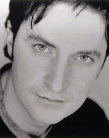 Photo №16119 Richard Armitage.
