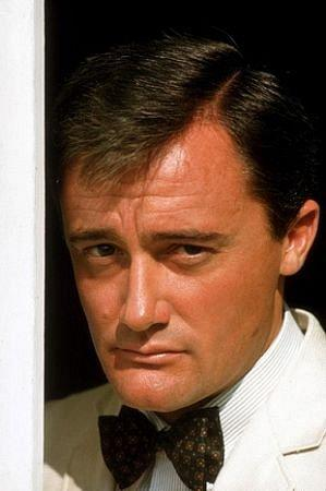 Photo №353 Robert Vaughn.