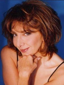 Recent Andrea Martin photos