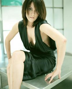 Recent Annabeth Gish photos