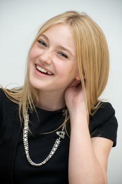 Recent Dakota Fanning photos