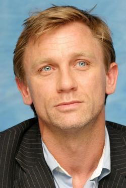 Recent Daniel Craig photos