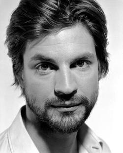 Recent Gale Harold photos
