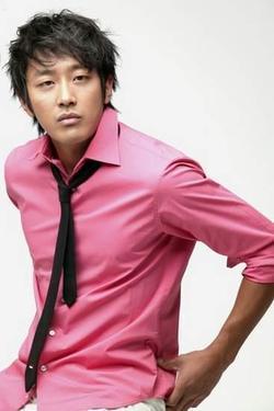 Recent Ha Jeong Woo photos