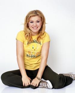 Recent Kelly Clarkson photos