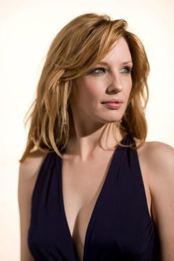 Recent Kelly Reilly photos