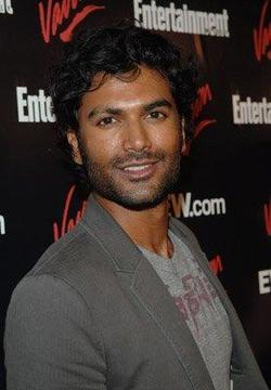 Recent Sendhil Ramamurthy photos