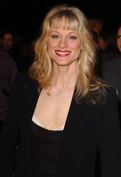 Recent Teri Polo photos